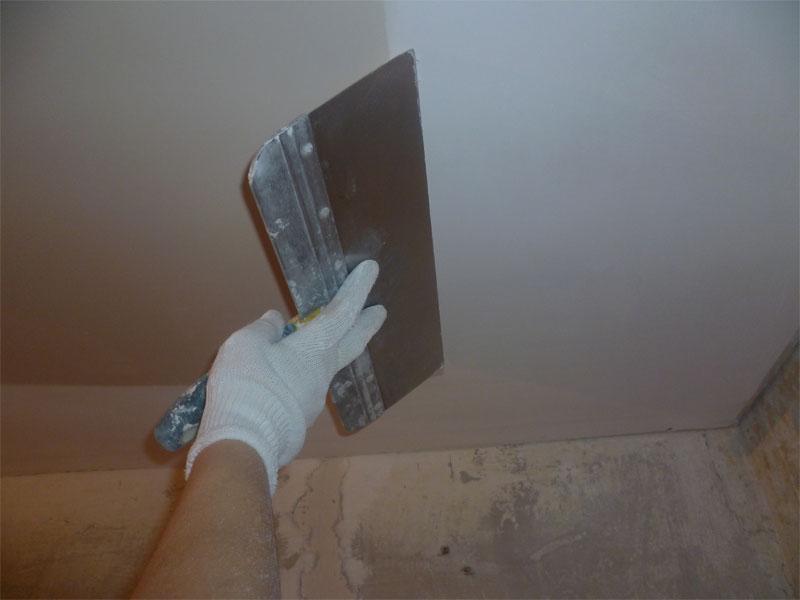 как выровнять потолок под покраску