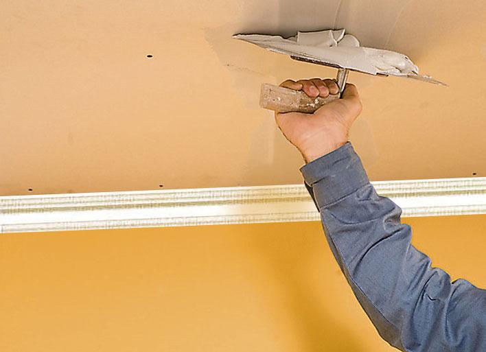 Как правильно выровнять потолок – технология работы