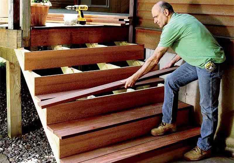 Ремонт деревянного крыльца