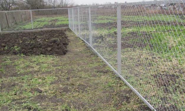 Как своими руками сделать забор из сетки рабицы