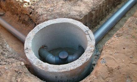 Как проложить наружные канализационные трубы в частном доме – главные правила