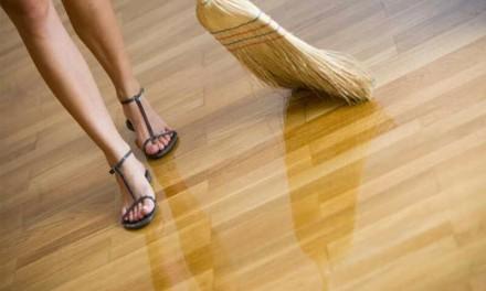 Уход за деревянными лакированными полами