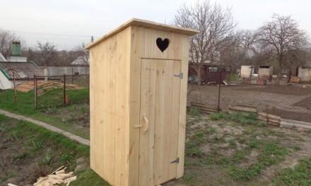 Технология создания деревянного туалета для дачи